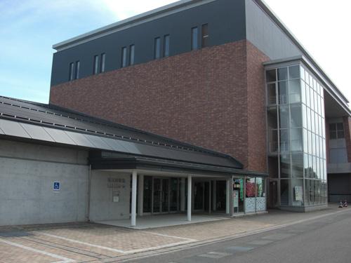 西川図書館